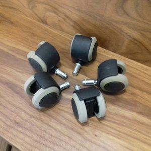 גלגלי גומי לכסא משרדי - חומרי ניקוי לפרקט