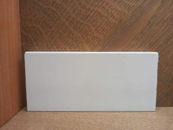 """פנל פולימרי לבן לפרקט מלבני שקוע גובה 6 או 7ס""""מ"""